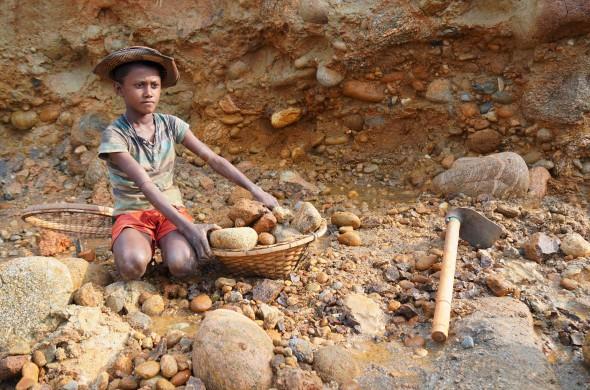 bangladeso-vaikai-pozerskis
