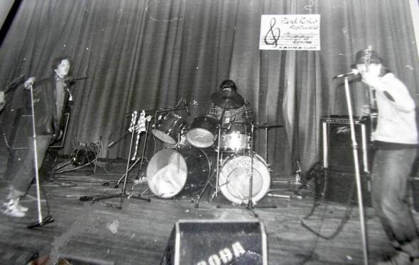 """Pionieriaus Garbės Žodis festivalyje """"Purvinoji žiema"""" 1998 - foto: grupės archyvas"""