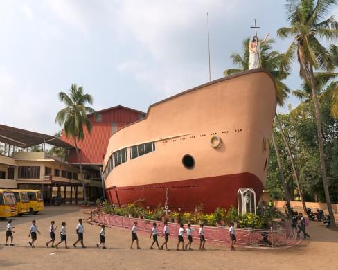 Haubitz+Zoche. Sv. Tereses baznycia. Eravu, Kerala, Indija. Is serijos _Hibridinis modernizmas_